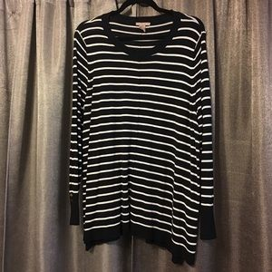 H&M 2XL navy and white striped tunic sweater